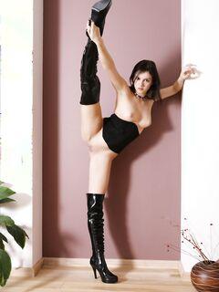 Шикарная гимнастка