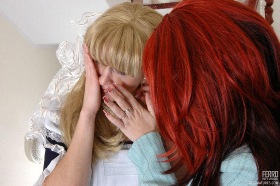 Две подружки лесбиянки делают куник