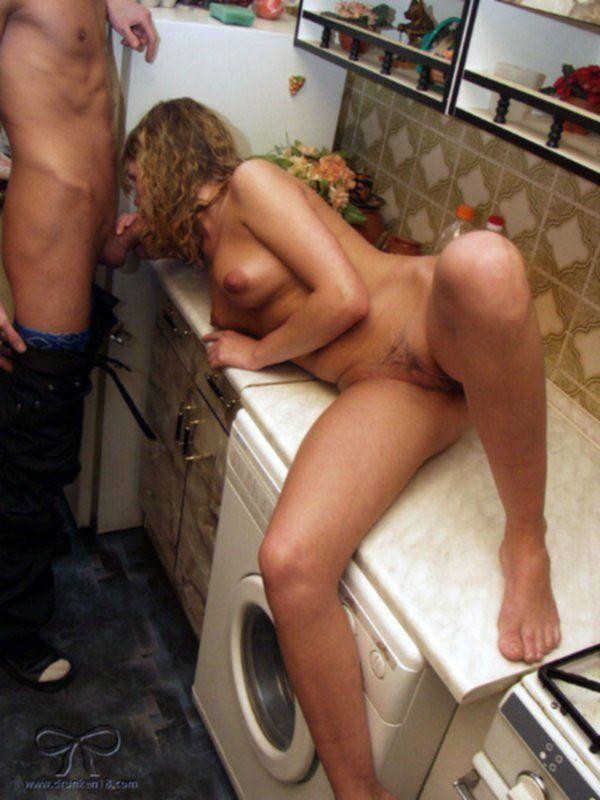 Отымел на кухне
