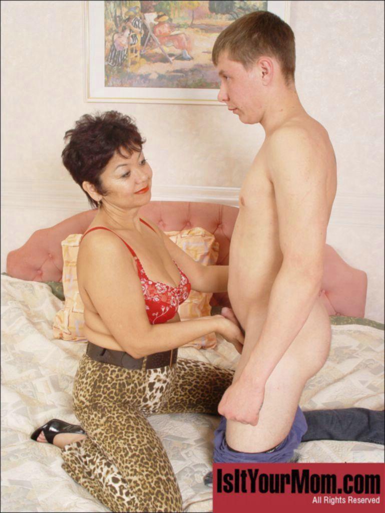 Секс с мамой