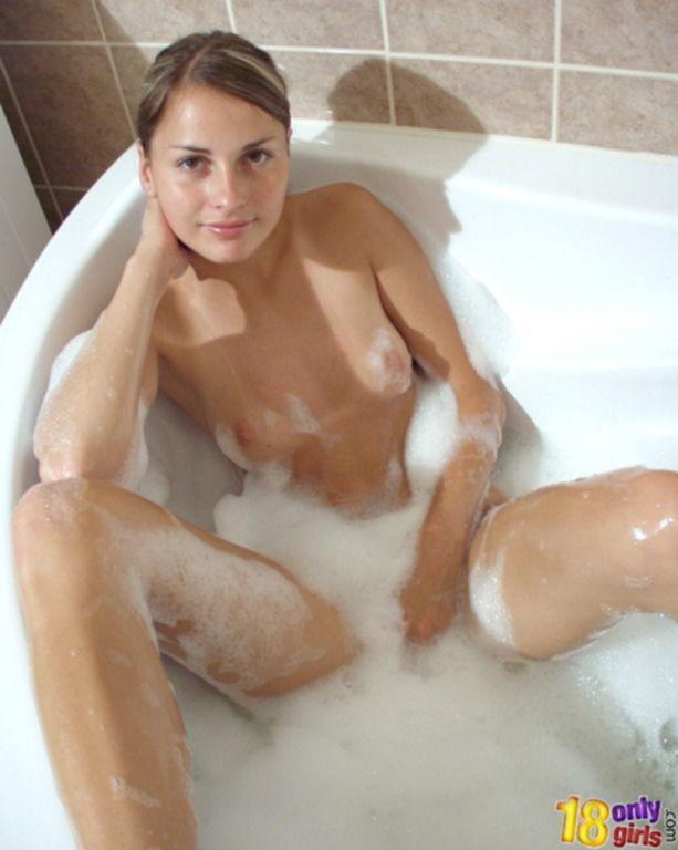 Принимая ванную