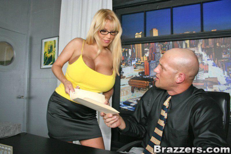 Секси секретарша